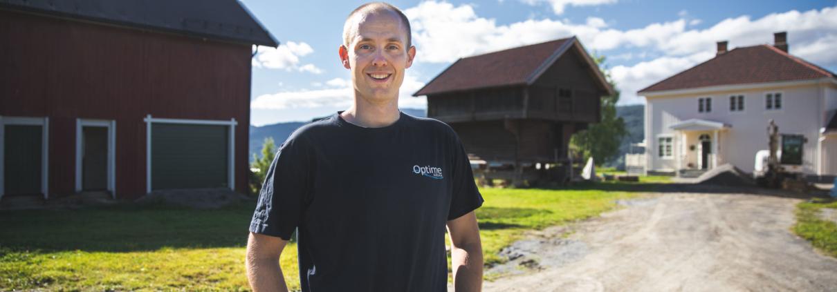 Thor Øystein Finborud Tovsrud at the family farm